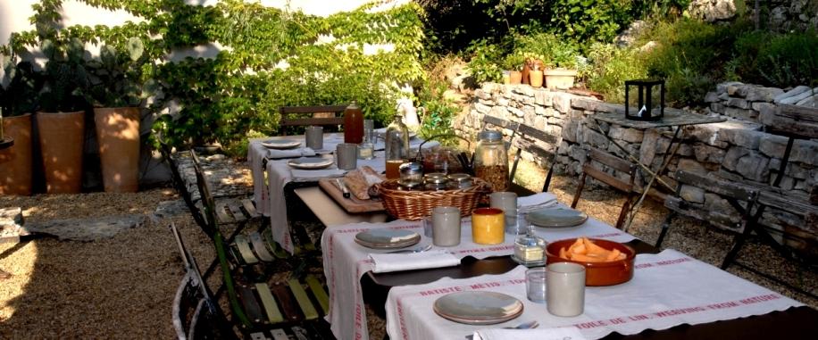 le table du petit-dejeuner